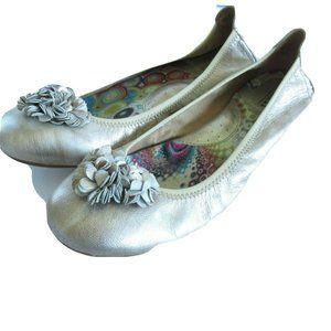 Born Ballet Flats Leather Metallic Gold Flower